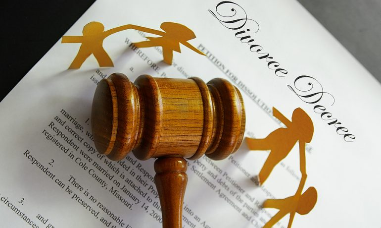 10 Things You Need to Know about Family & Divorce Lawer